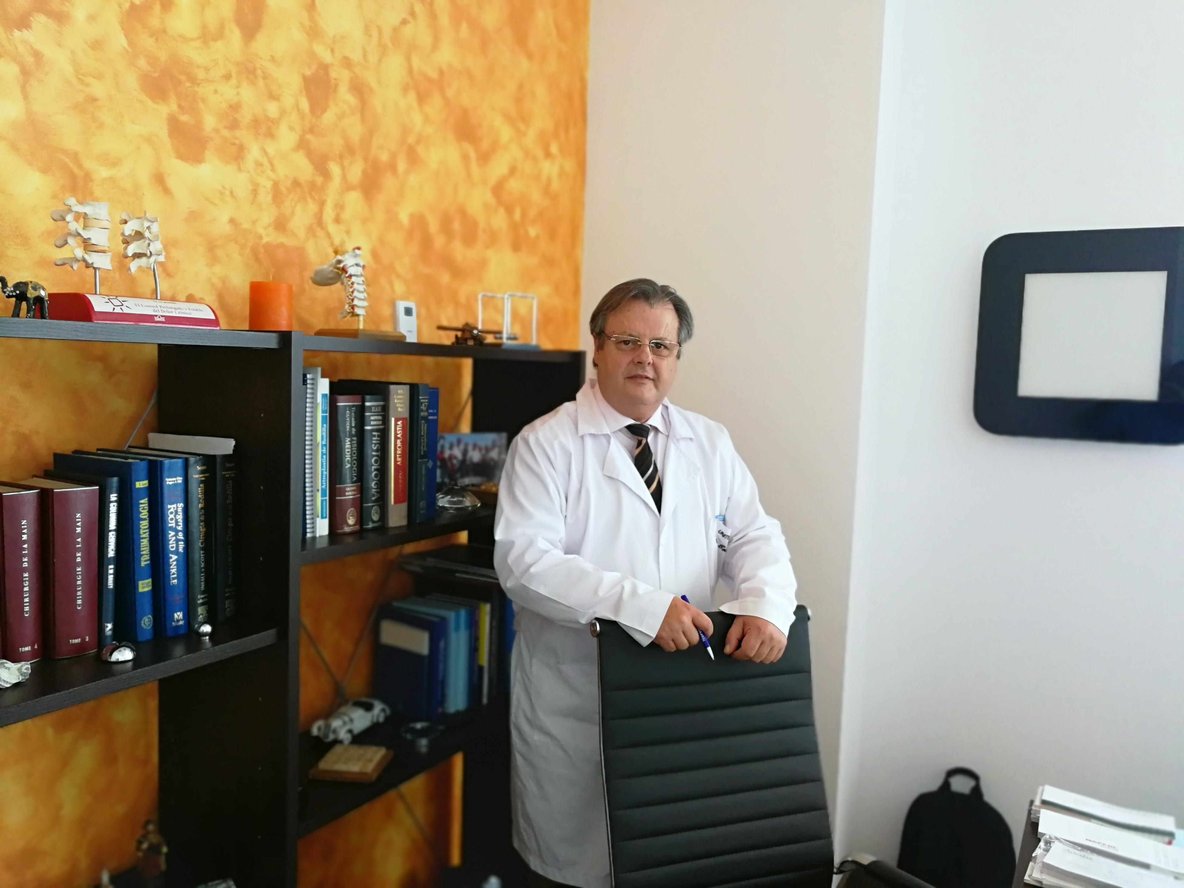 Dr Valentín Bonet